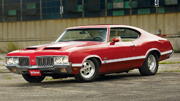 0801phr_06_z+1970_oldsmobile_442+front_left_view