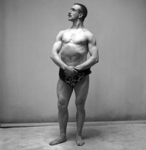a_comparison_of_bodybuilding_throughout_the_years_640_01-w625