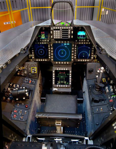 inside_the_cockpits_of_various_flying_machines_640_01-w625