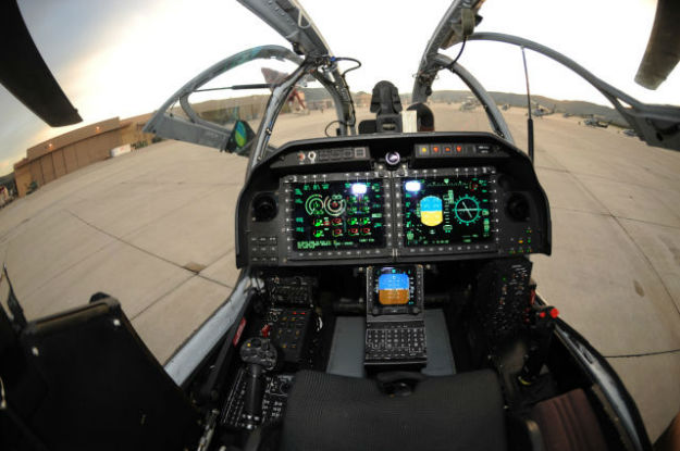 inside_the_cockpits_of_various_flying_machines_640_10-w625
