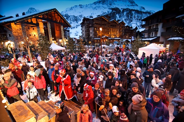 Val-dIsere-packed-centre