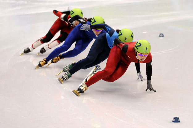 here-is-what-speed-skating-looked-like-at-the-vancouver-olympics