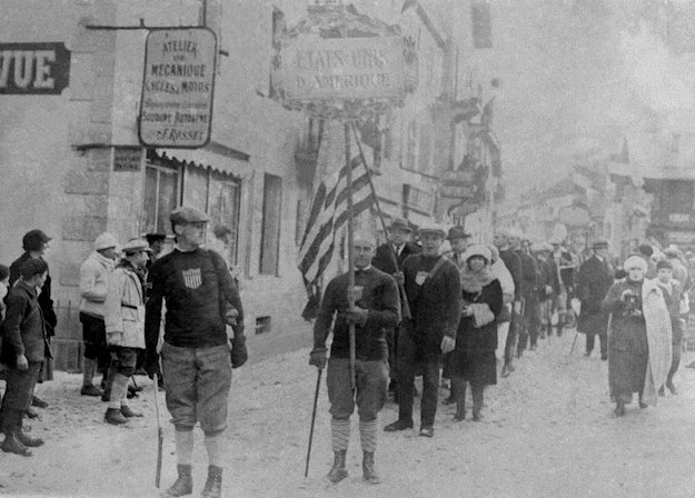 opening-ceremony-at-the-1924-olympics-in-france-was-just-a-march-down-the-town-street