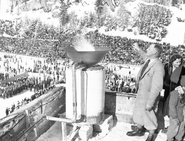 the-olympic-flame-in-1948-was-just-a-big-bowl-connected-to-a-gas-pipe