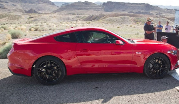 Need-for-Speed-2015-Ford-Mustang-GT