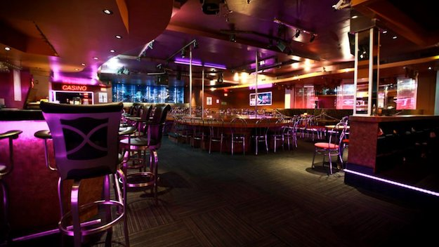 strip-clubs-in-montreal-chez-paree